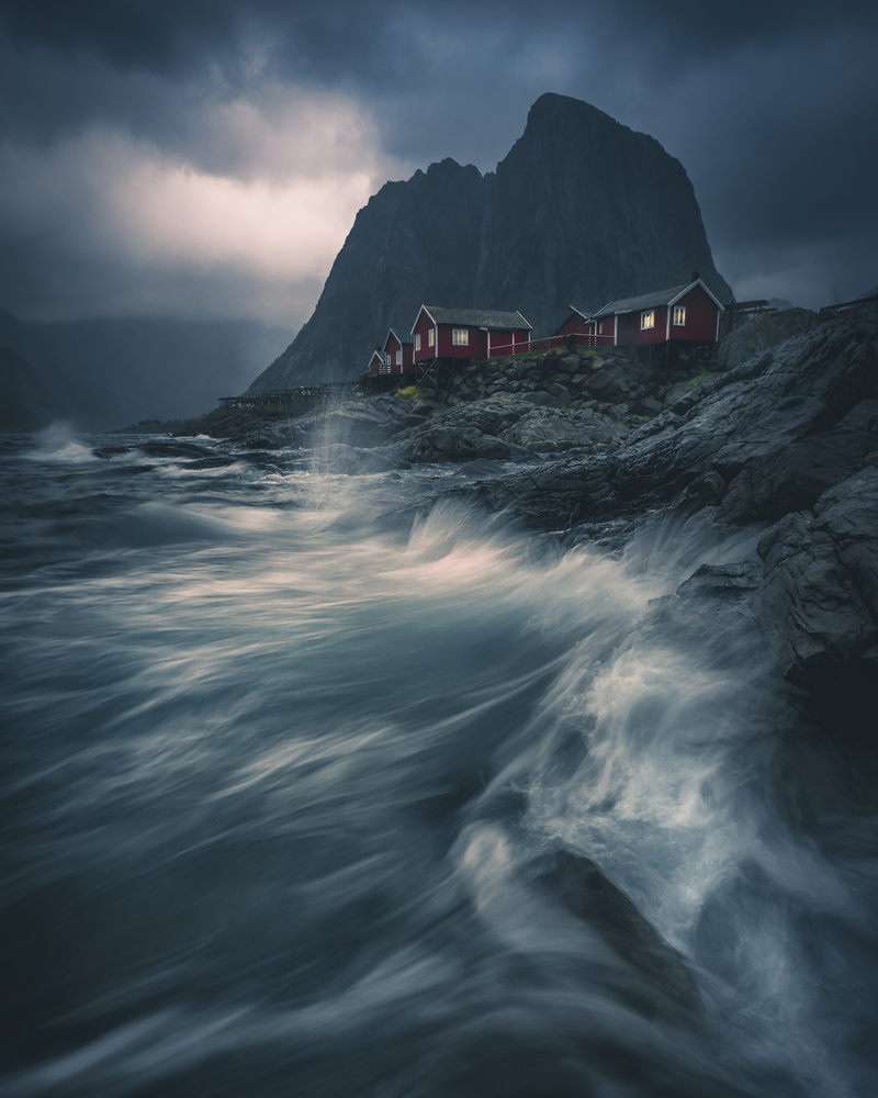 Monday morning in Lofoten by Roger Kristiansen