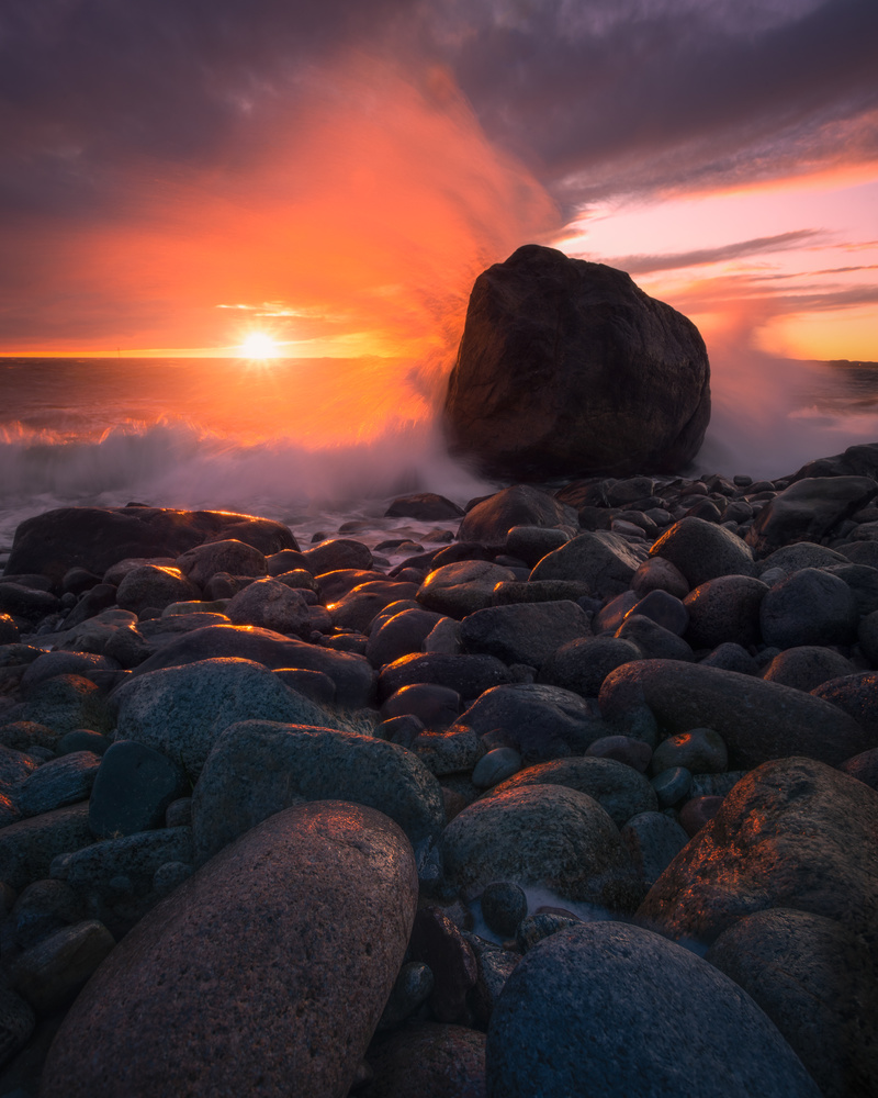 Sunset wave action by Roger Kristiansen