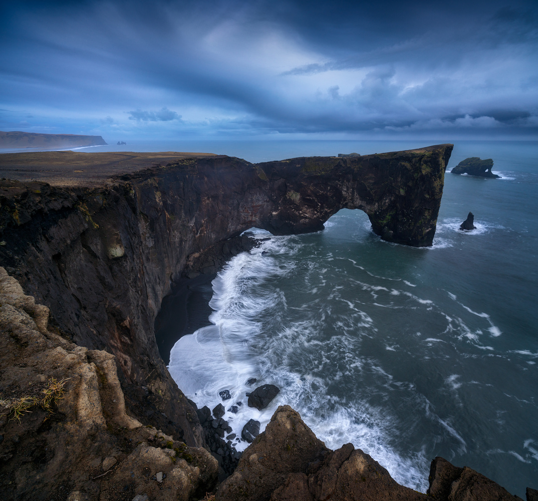- The cathedrals of iceland - by Alain Piñón