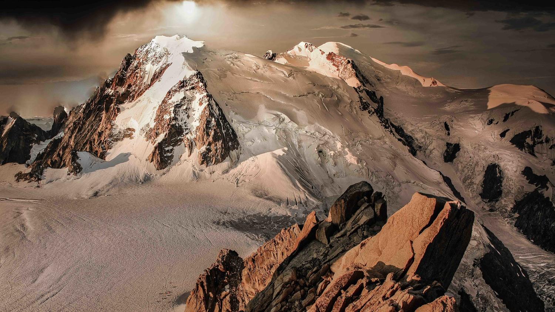 4810 m by david huguet