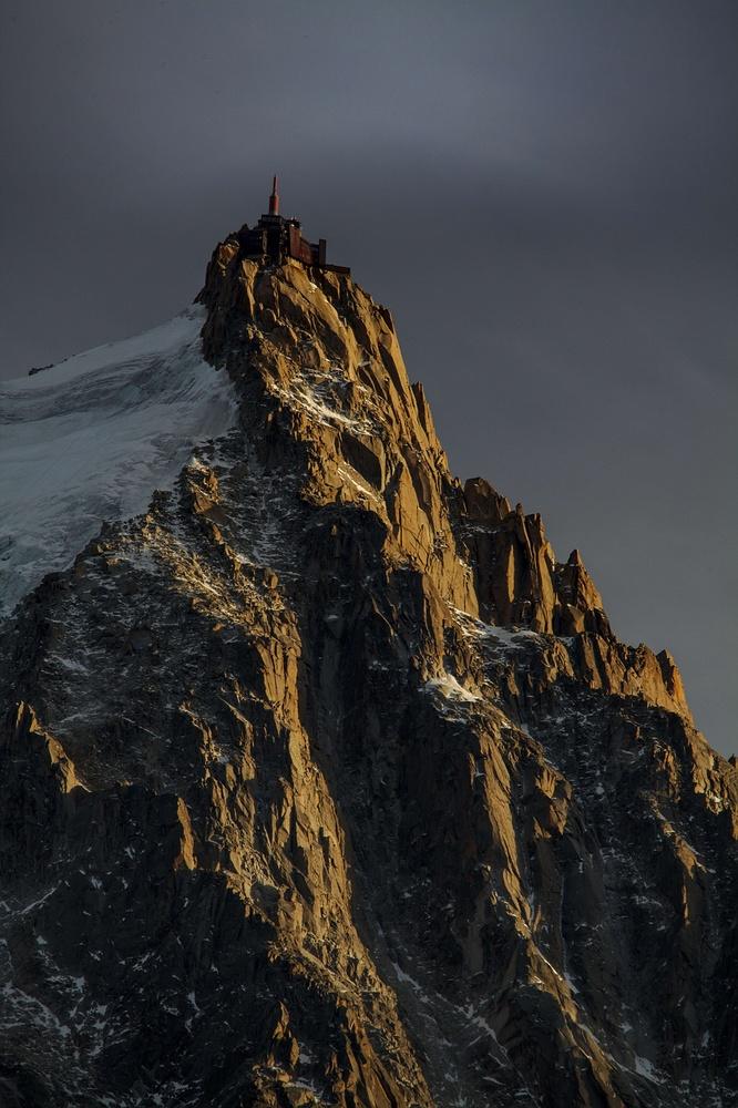 Peak of Aiguille du Midi by david huguet