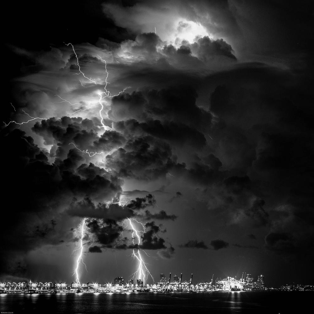 Lightning by ronan colin