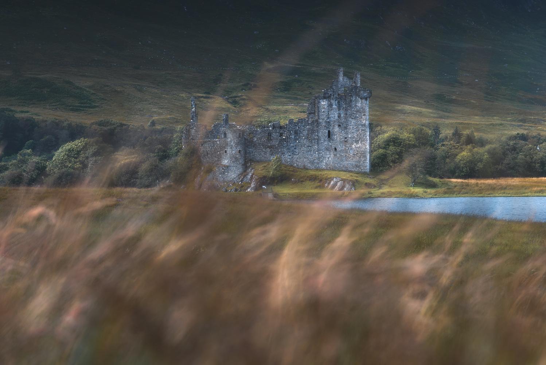 Kilchurn Castle by Alessandro Cerro