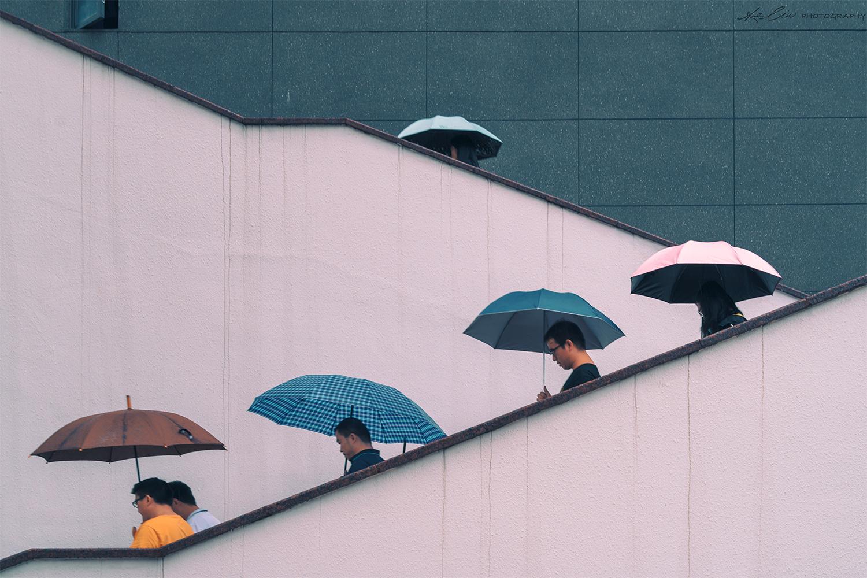 Lining up by Ke Liu