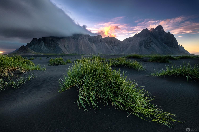 Vestrahorn sunset by Nejc Trpin