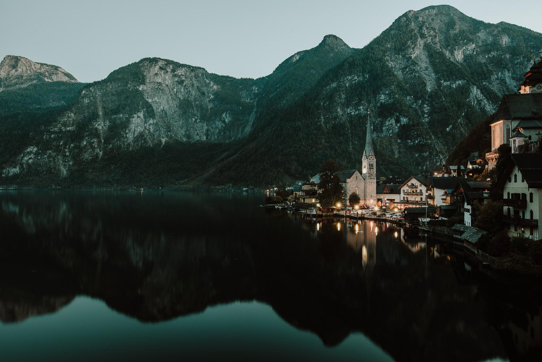 Hallstatt lake by Dejan Andjelic