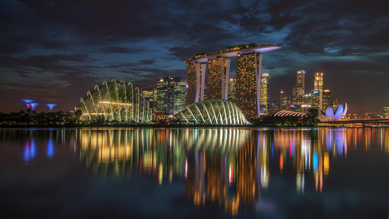 Singapore by Juan Romero Salamanca