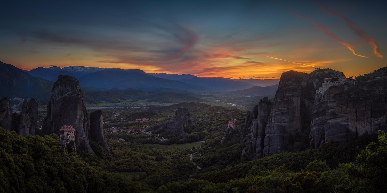 Kalambaka sunset by Juan Romero Salamanca