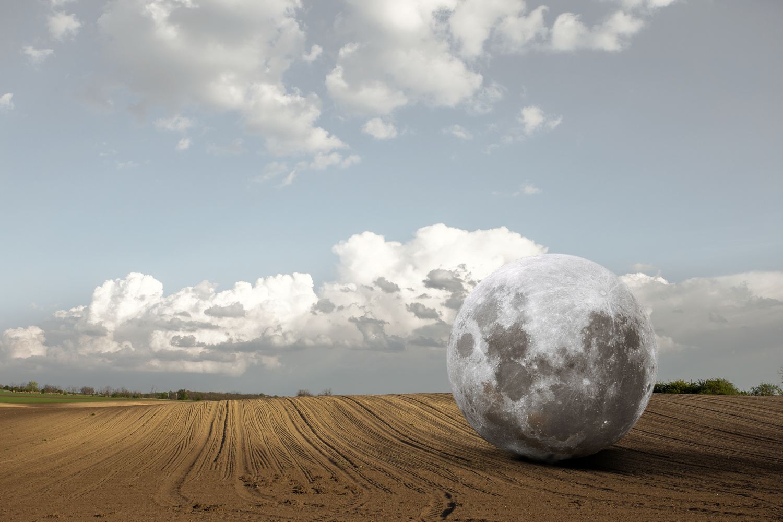 Moonfield by Szigeti Tamás