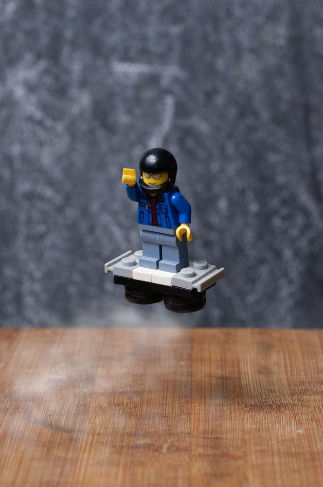 Lego hover board by Jeremy Martignago