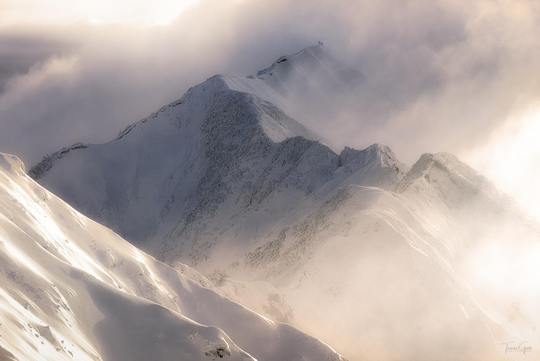 Mist and light show by Taisuke Goto