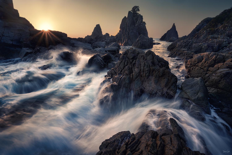 On the coast by Taisuke Goto
