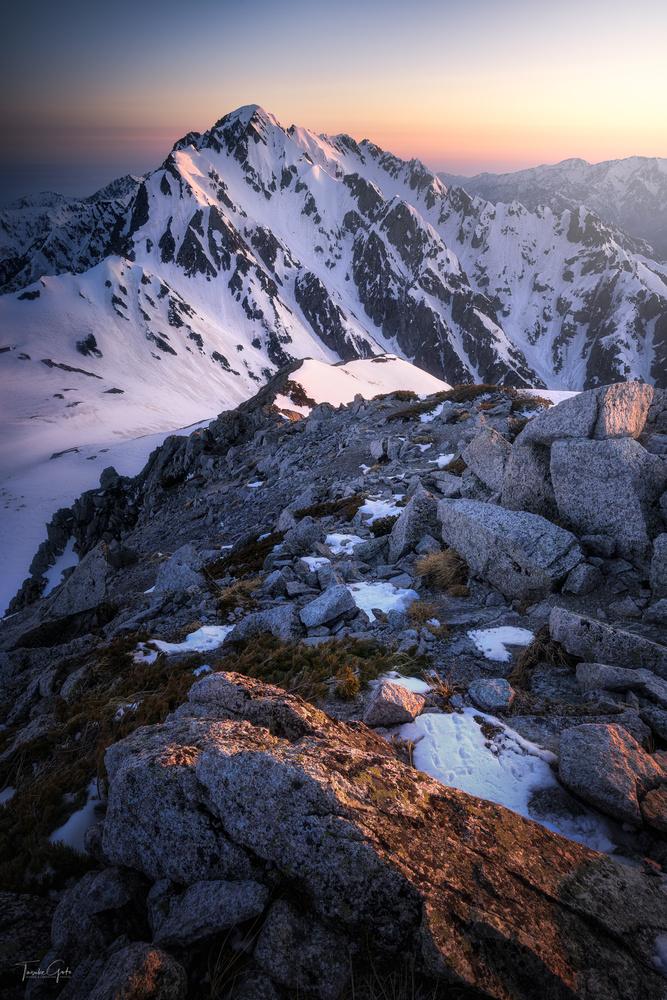 Sharp peak by Taisuke Goto