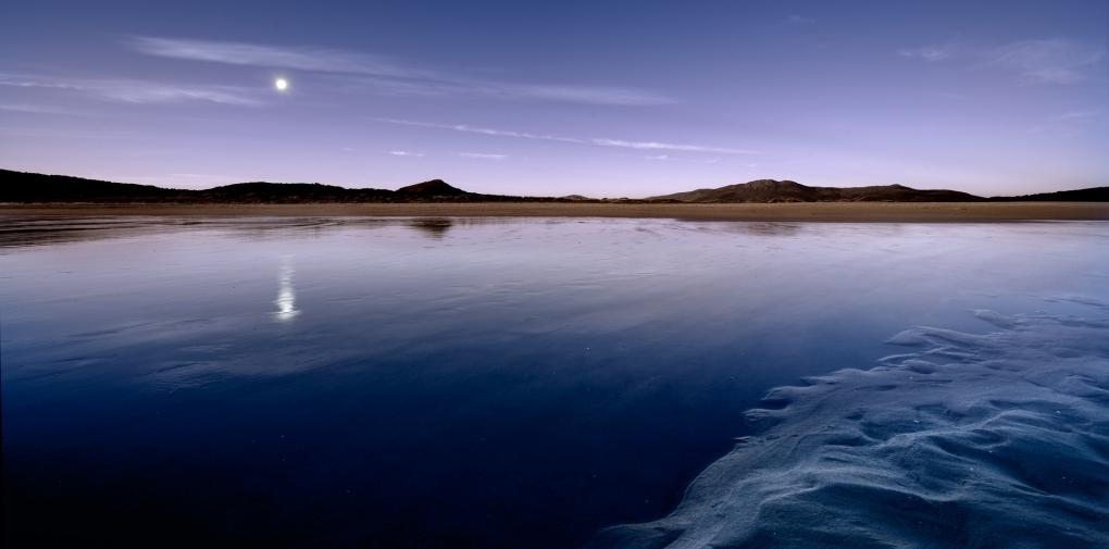 Low Tide by Ramon Vaquero