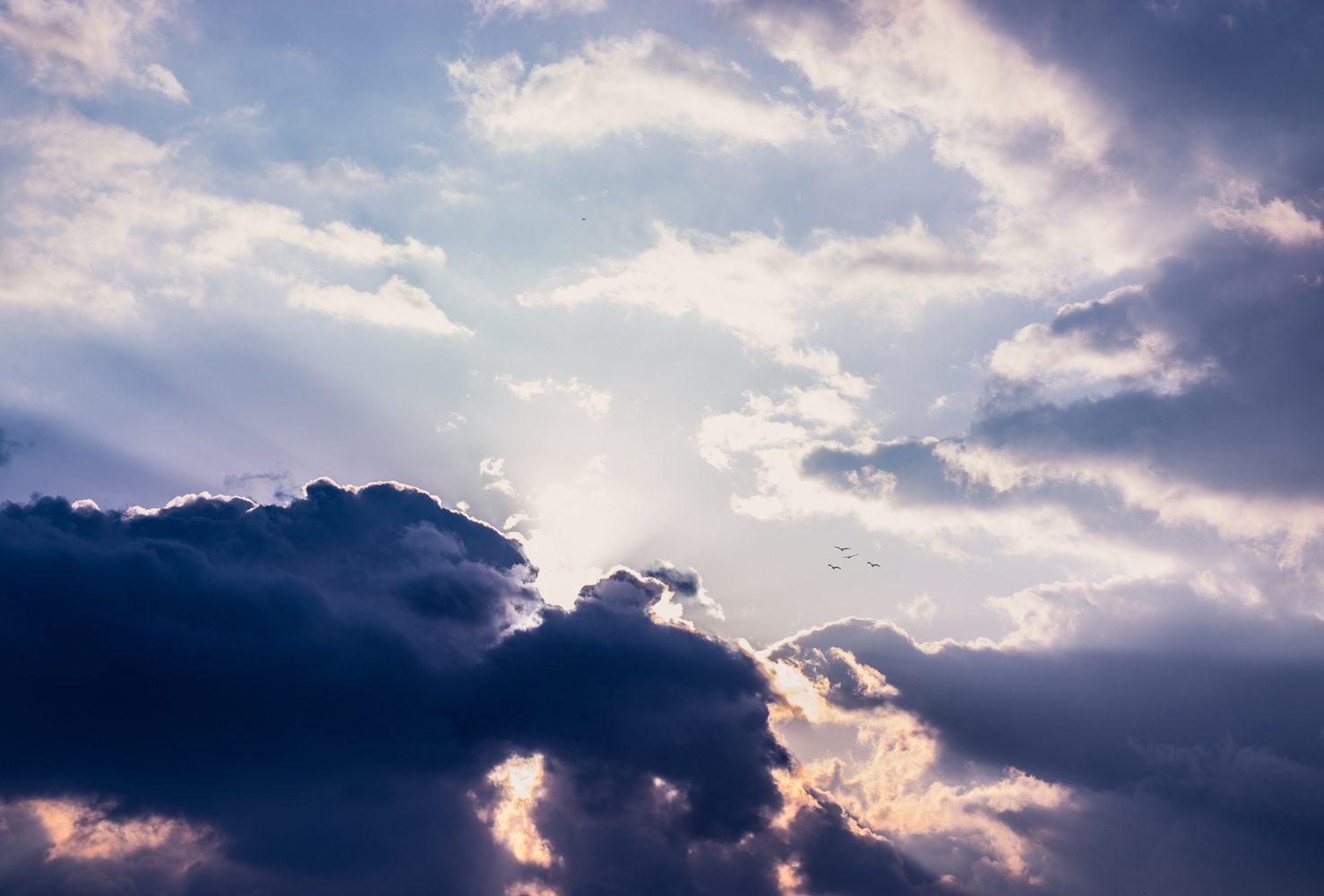 Cloudy sky by Tasos Giannopoulos