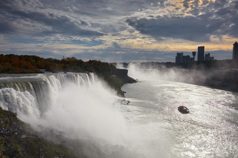 Niagara Falls by Christopher Newton
