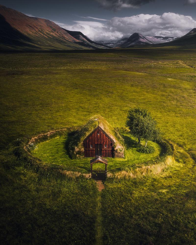 The lonely church by Fredrik Strømme