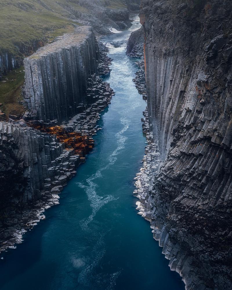 Basalt column canyon by Fredrik Strømme