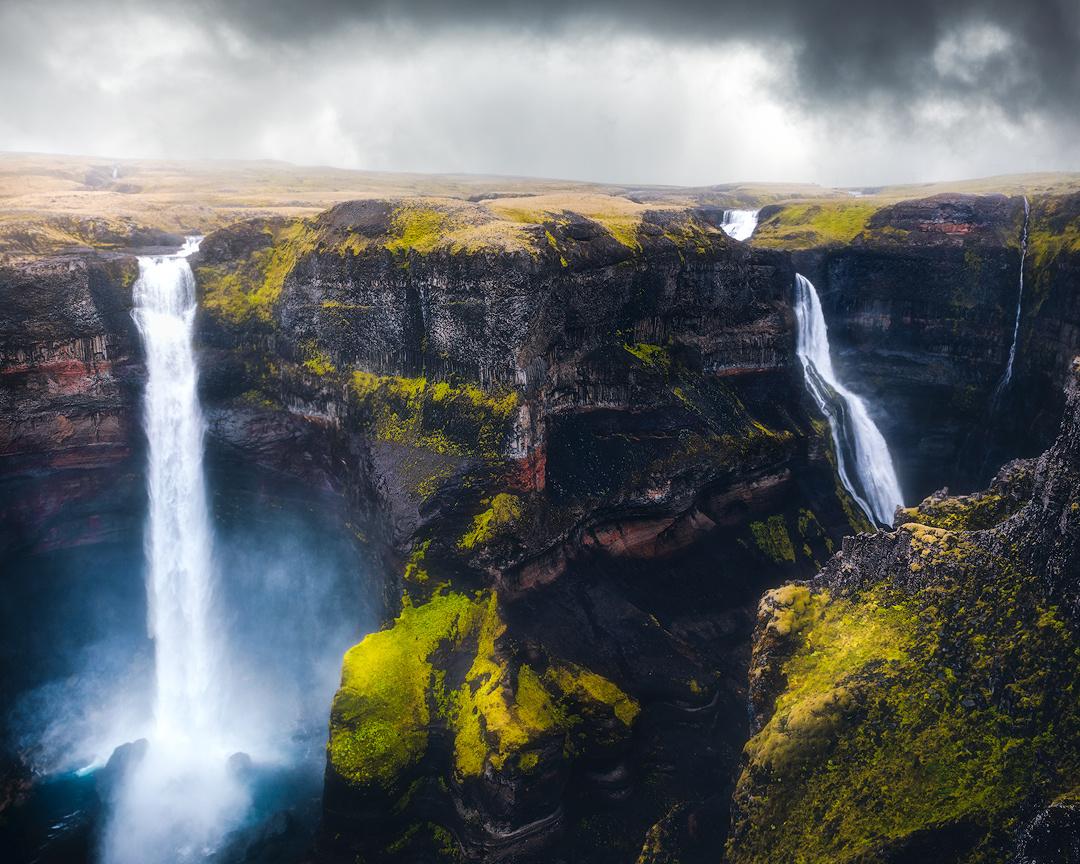 Chasing waterfalls by Fredrik Strømme