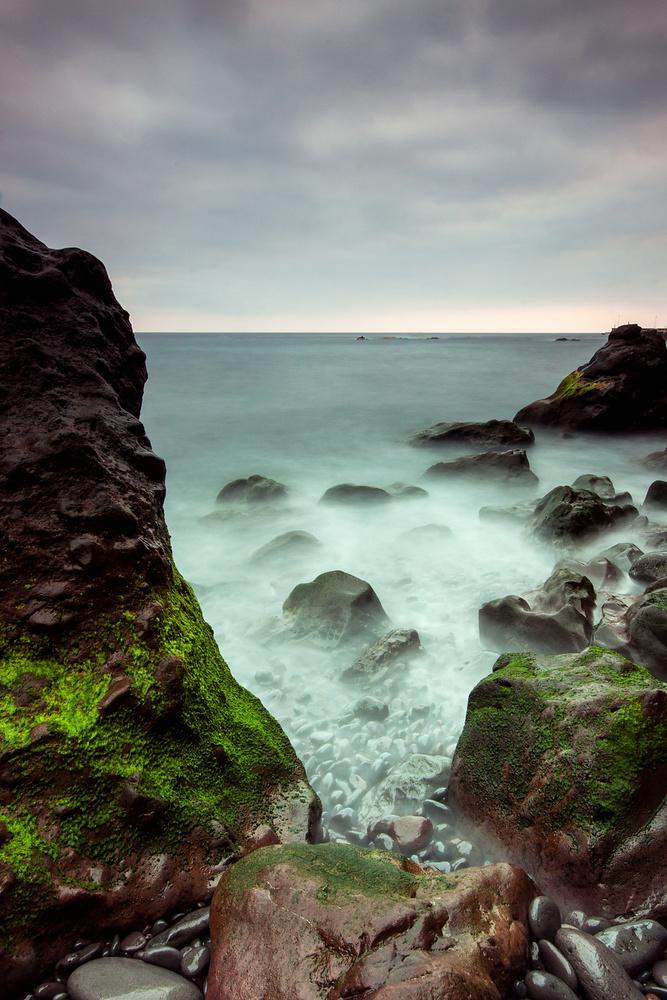Into the ocean by Tadej Žlahtič