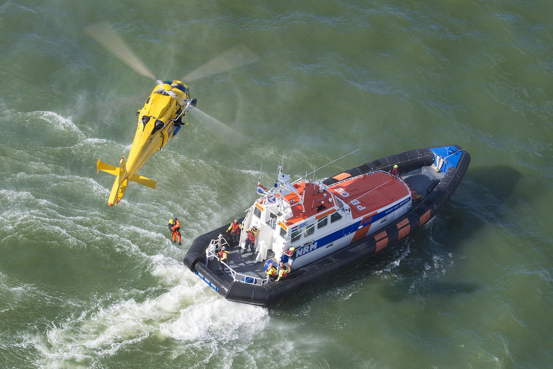 Rescue training by Jeroen van Veenendaal