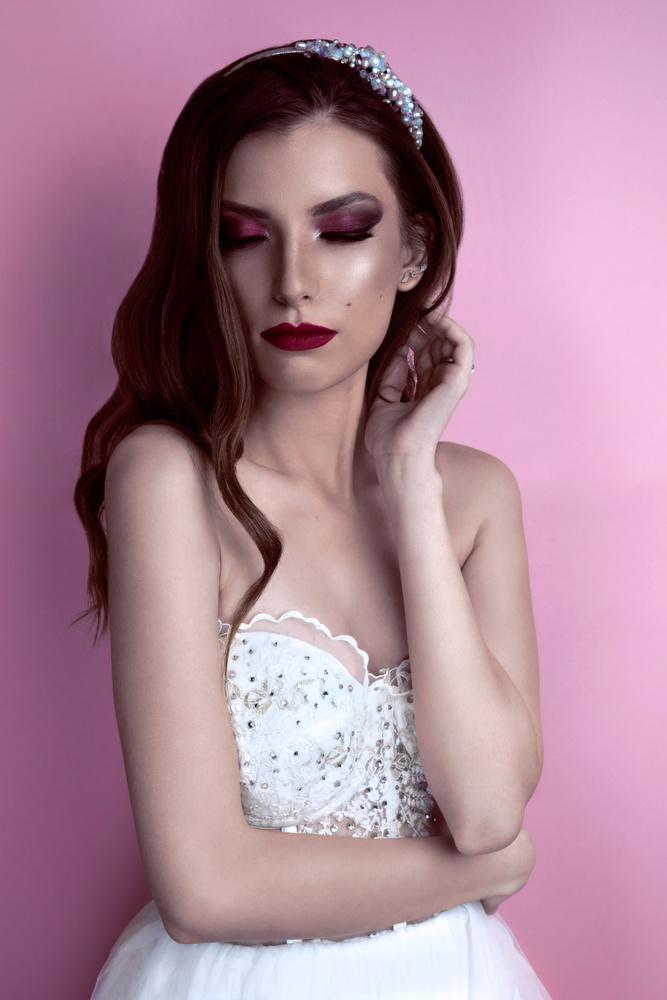 Bridal dress and makeup by Nizar Hezhaz