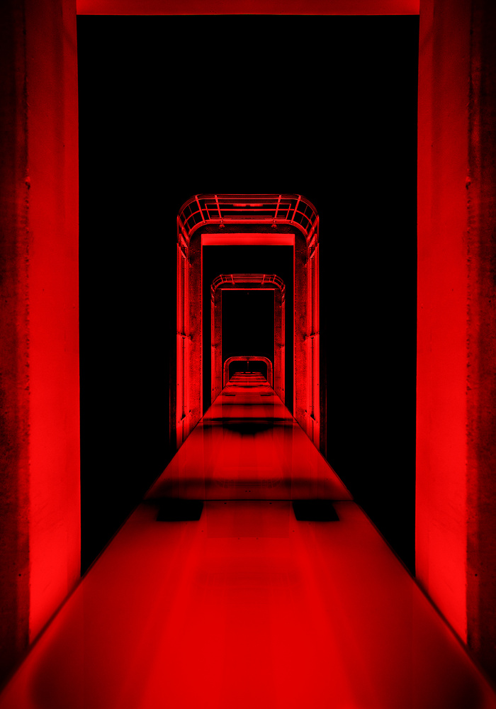 Obyss at the end of the tunel by Nizar Hezhaz