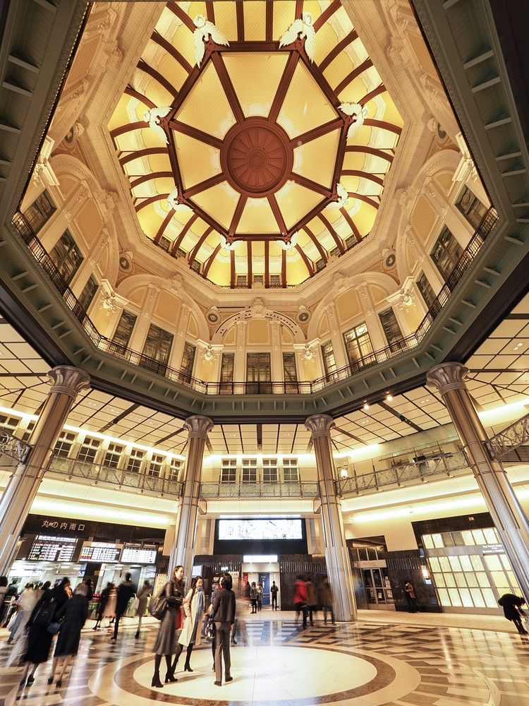Tokyo Station by Masahiro Shimada