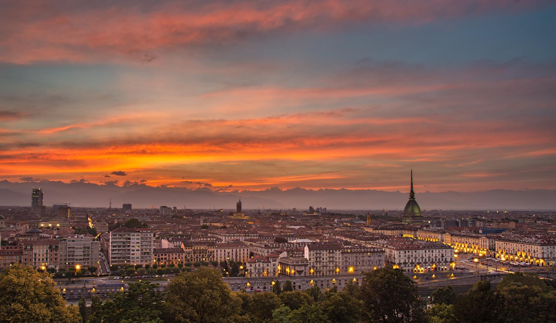 Turin's overview by Nicolò Caredda