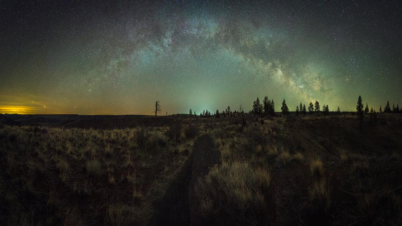 Night Rainbow by Daniel Gomez