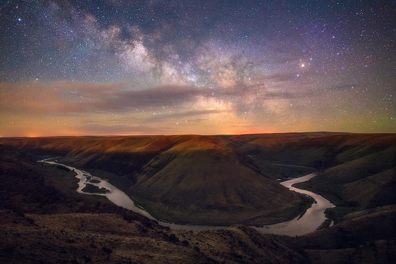 Desert Nights by Daniel Gomez