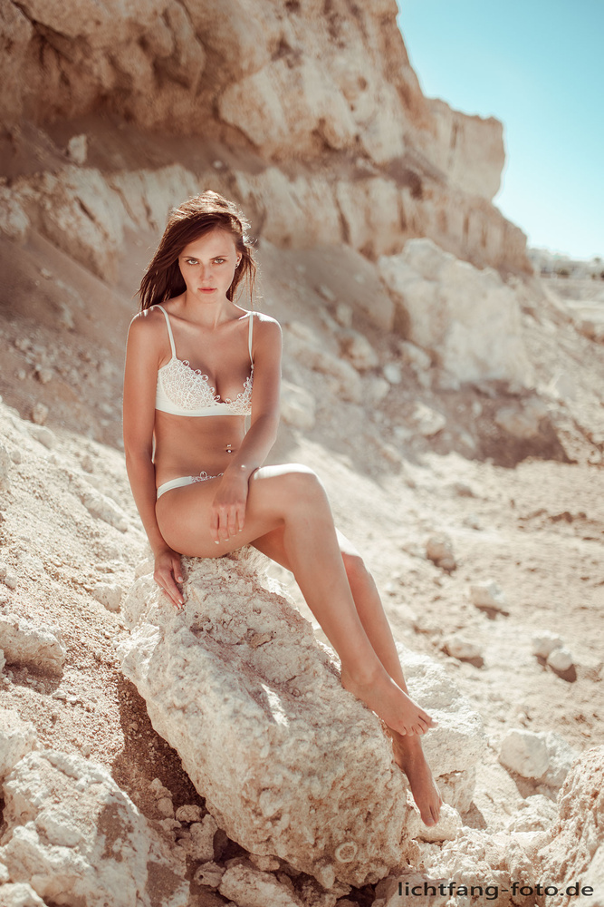 Leonie in the desert by Christian Zink