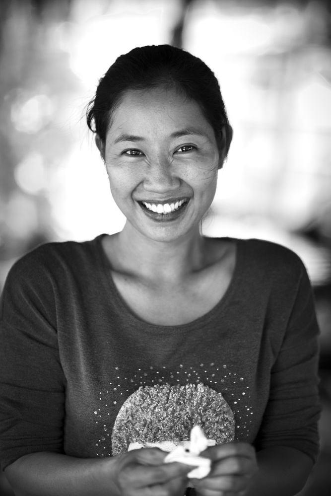 Beautiful smile from Mekong by Léonard Rodriguez