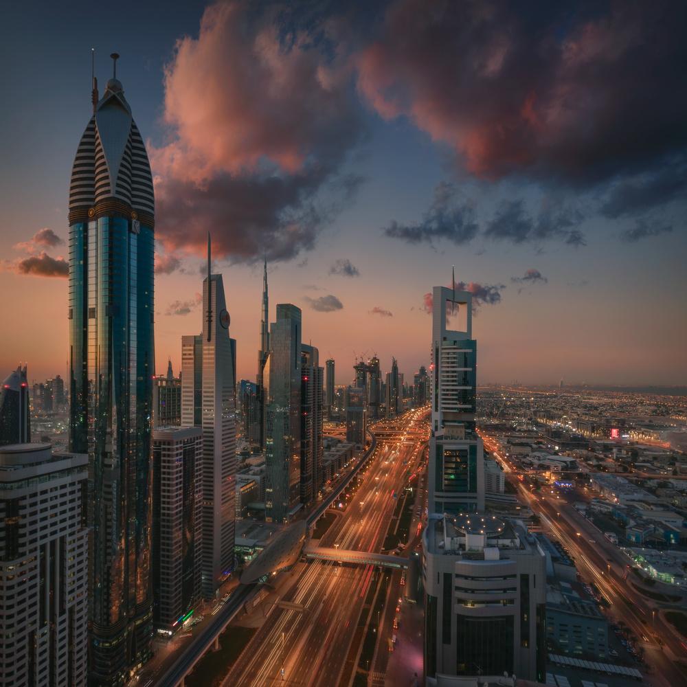 Dubai dawn by Radisa Zivkovic