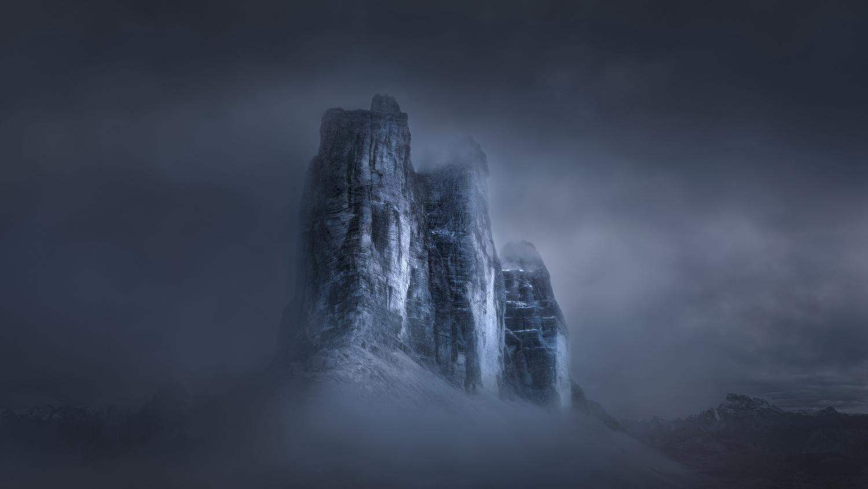 Paramount by Radisa Zivkovic