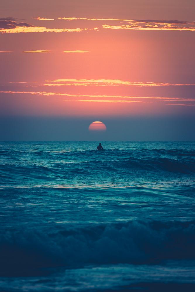 80's Surf by Logan Johnson