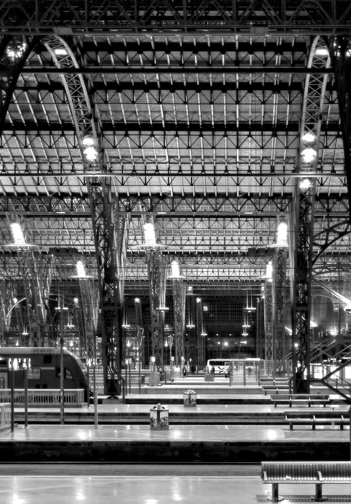 Leipzig Main-Station-Hall by Manuel Gerhart