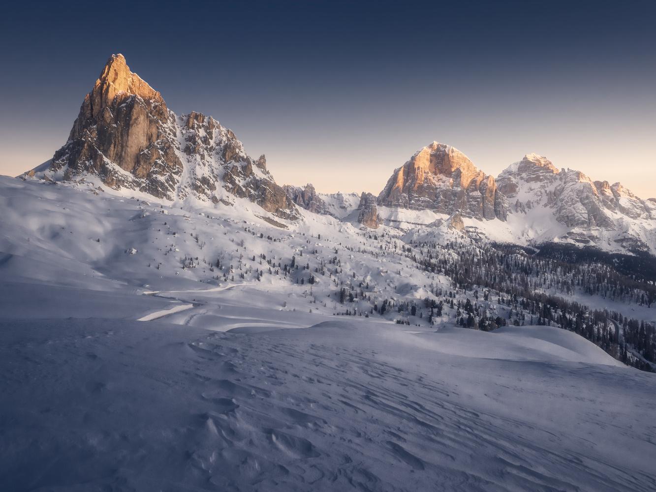 Cold sunrise by Michele Buttazzoni