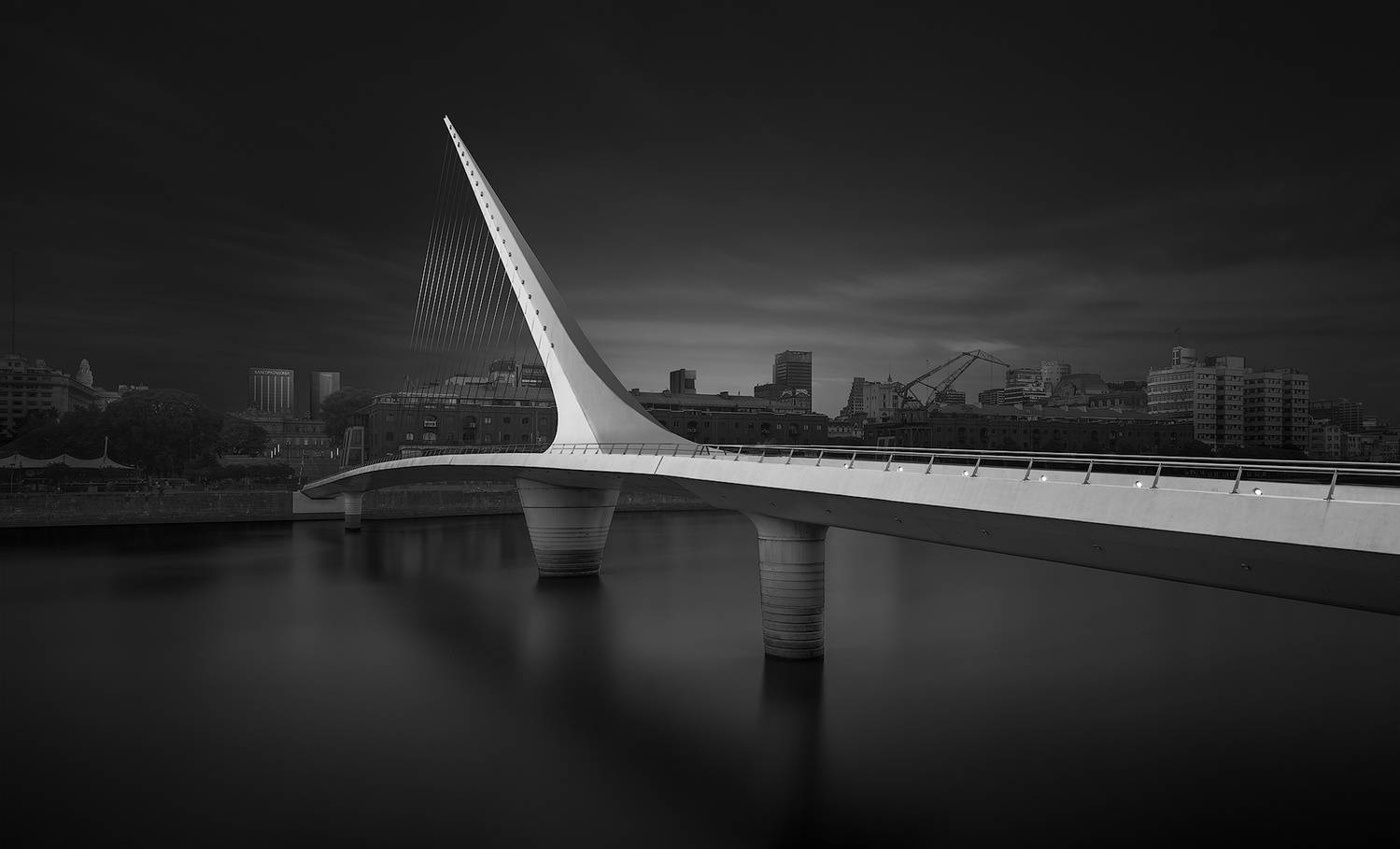 Women's bridge - Buenos Aires, Argentina by Léo Fontanel