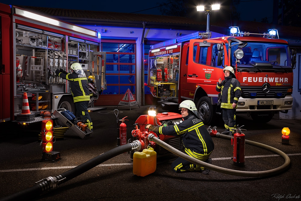 fire brigade - lightpainting by Ralph Oechsle