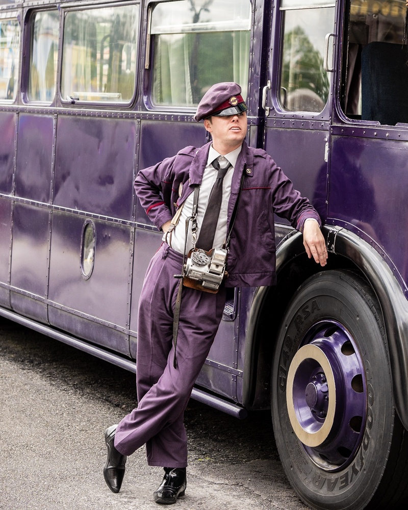 Knight Bus by Raul Farfan