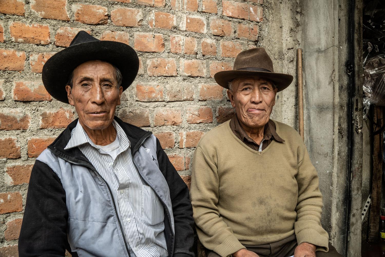 Hat street Vendors by Raul Farfan