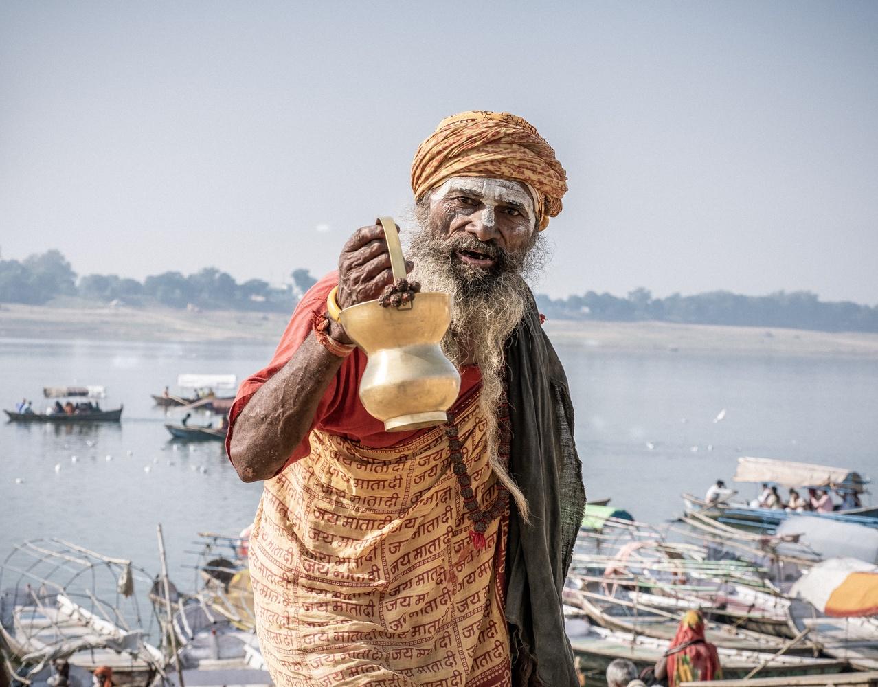 Sadhu in Triveni Sangam by Raul Farfan