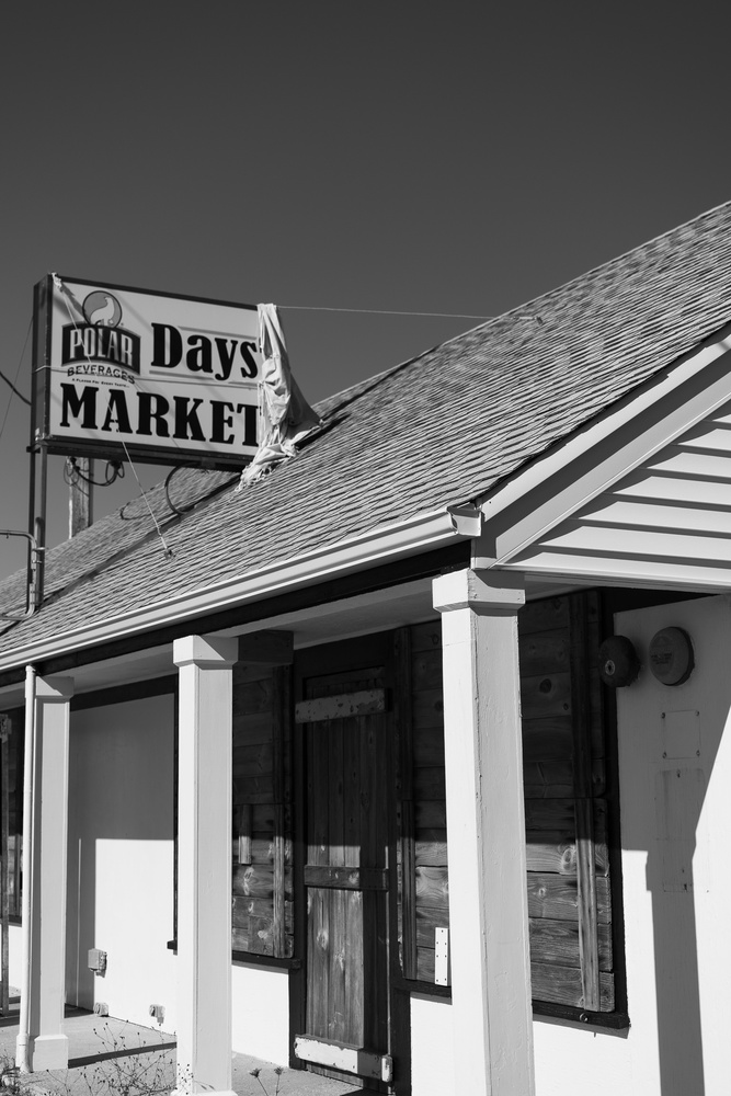 Day's Cottages Market by Lisa Morales