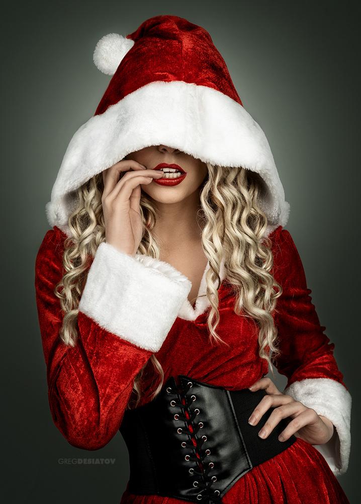Silhouette 02 - Bad Santa by Greg Desiatov