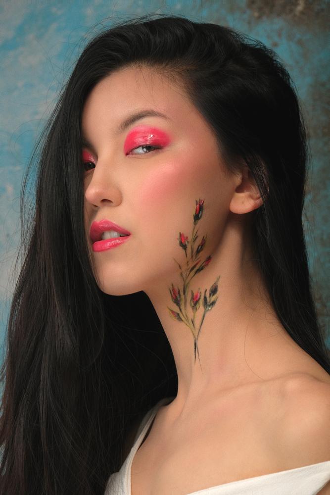 Aynur by vik moon