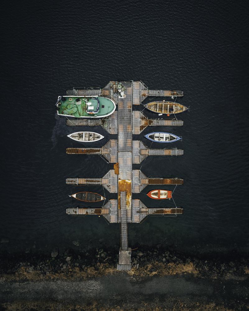 Boat Club by GARY CUMMINS