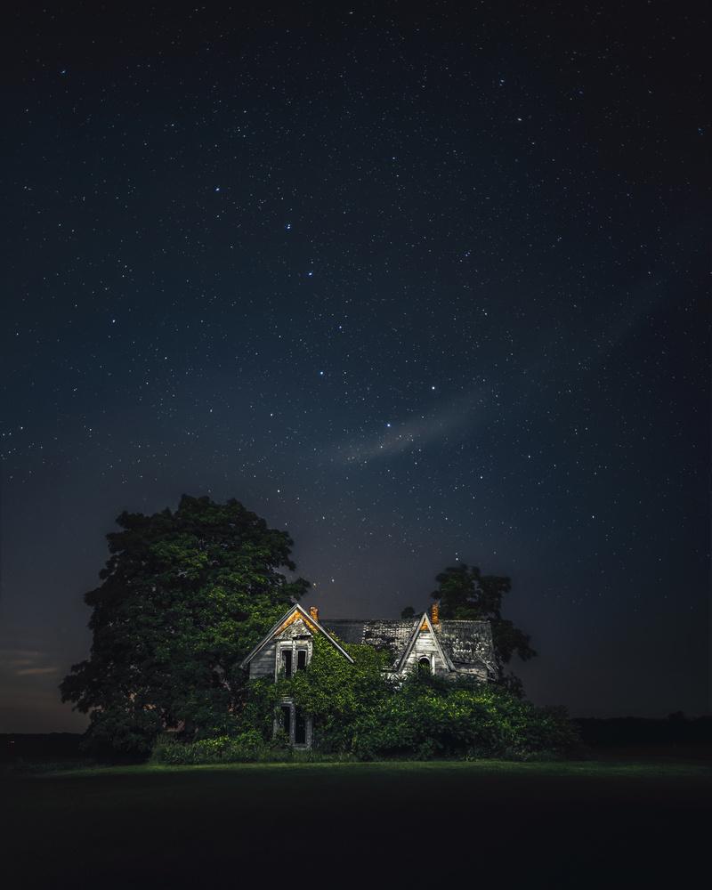 The Guyitt House by GARY CUMMINS