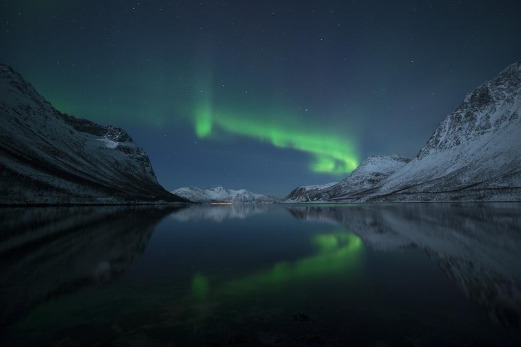 Northern Lights 4 by Buzz Covington