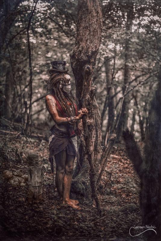 Voodoo queen by Samten Norbù